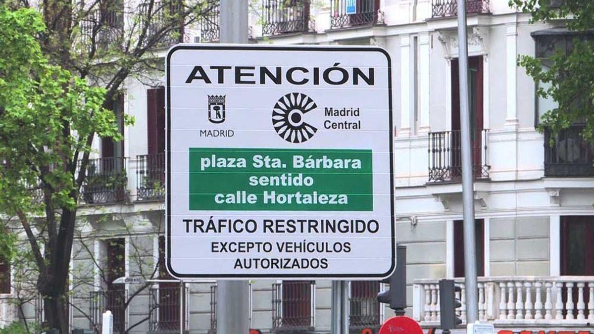 Almeida multa dieciséis veces más que Carmena en el Madrid Central
