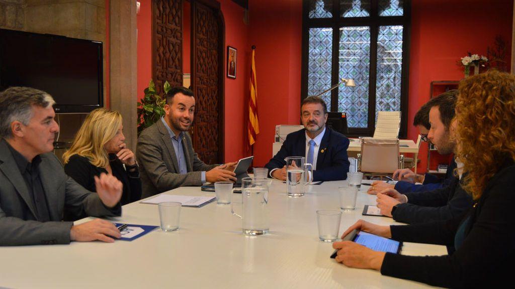 Cómo funcionan las delegaciones catalanas en el exterior