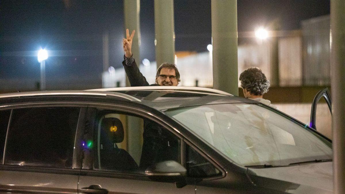 Jordi Cuixart apura al máximo su permiso de dos días y vuelve a prisión un minuto antes de que termine