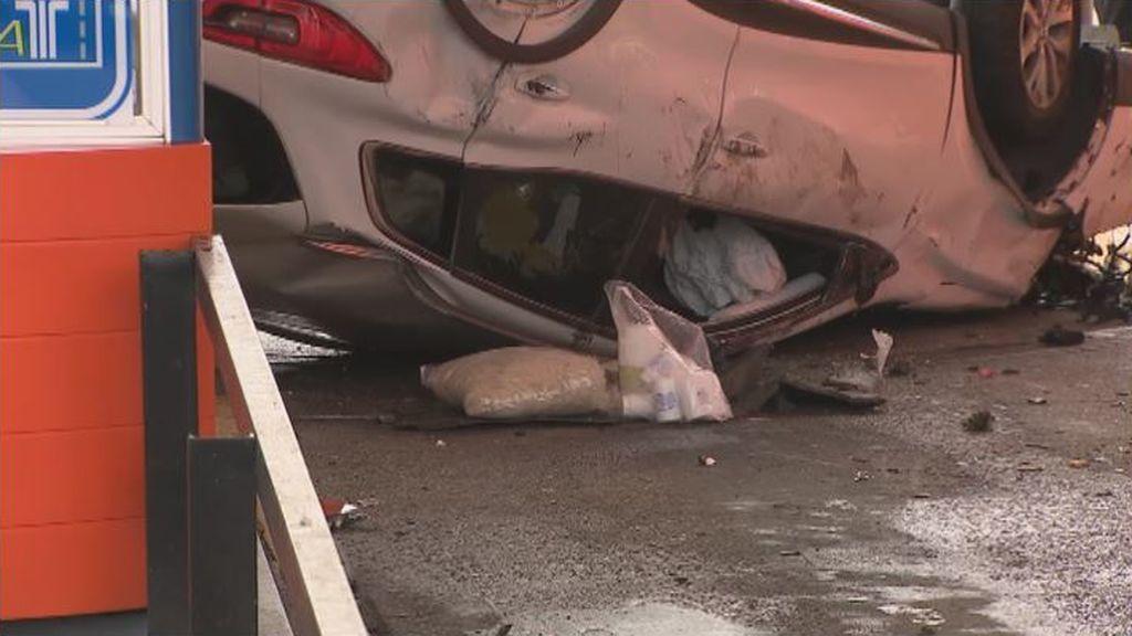 Una mujer fallece al chocar el coche en el que viajaba contra una cabina de peaje de la AP-9