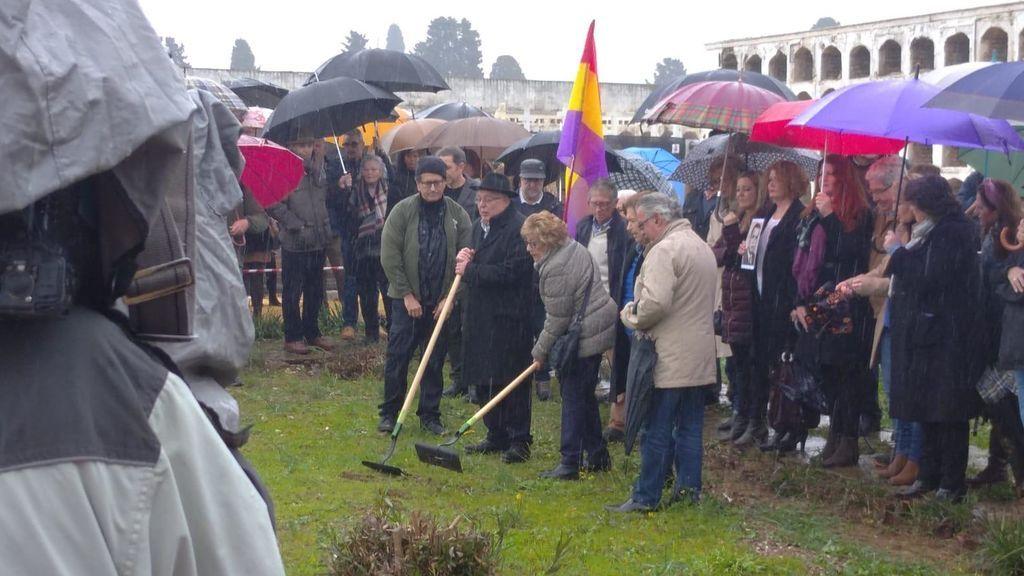 Arranca la exhumación en Sevilla de una fosa común con más de mil represaliados por el régimen franquista