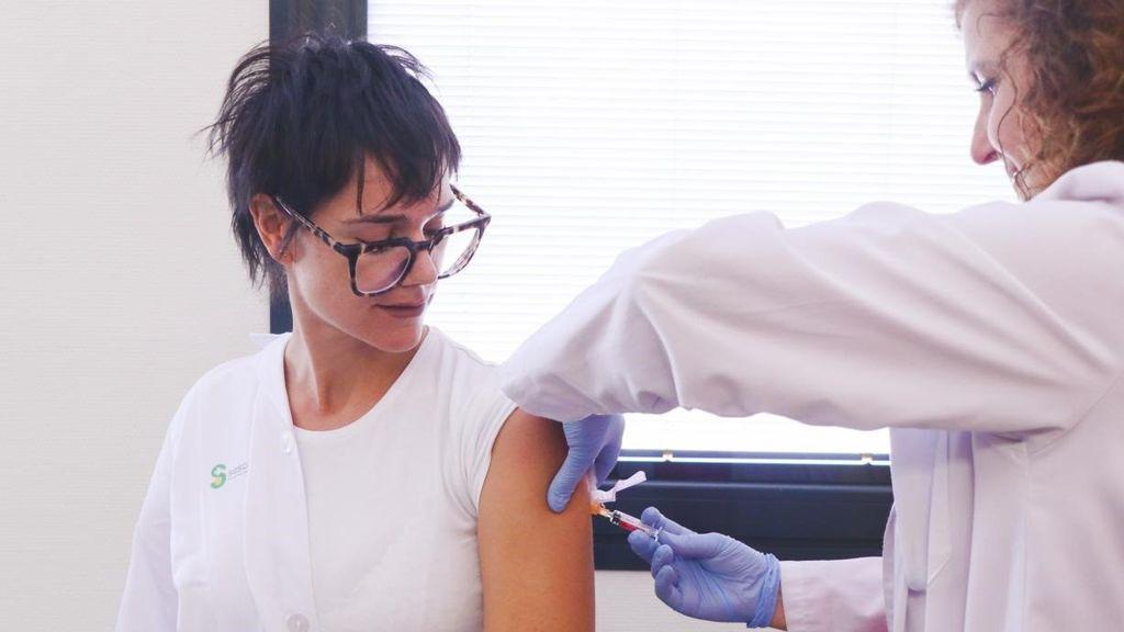 Cúbrete al tose o estornudar, pero no con la mano: consejos para prevenir la gripe