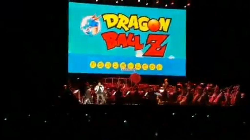 El cantante japonés de 'Dragon Ball', herido tras caer desde dos metros en el escenario del Wizink Center