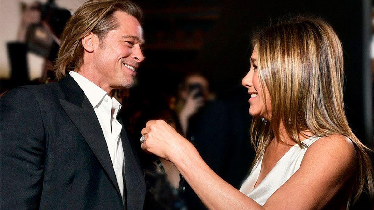 El reencuentro de Brad Pitt y Jennifer Aniston, con 'Tinder' de por medio, nos alegra el día más triste del año