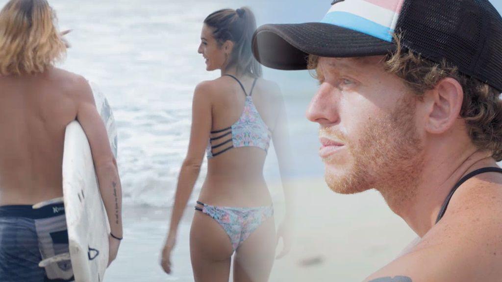 """Susana se lo pasa en grande surfeando con Lewis y Gonzalo se sincera con Katherina sobre ella: """"Tiene que madurar"""""""