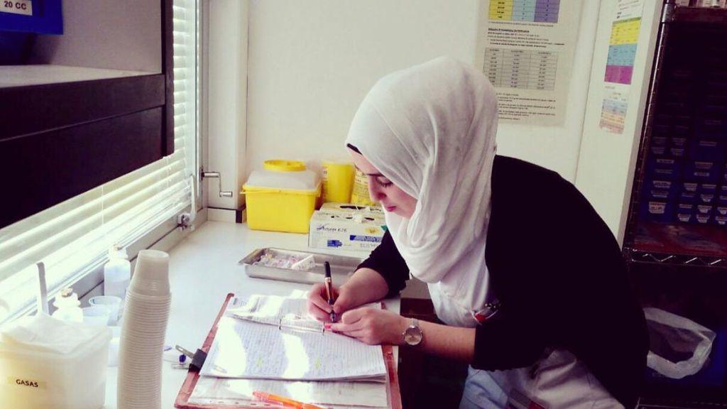 Una estudiante de enfermería, vetada del centro de prácticas por llevar velo islámico