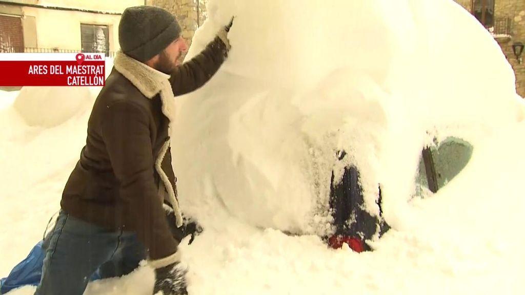 Un reportero de 'Cuatro al Día', atrapado en Castellón por el temporal de nieve causado por la borrasca Gloria