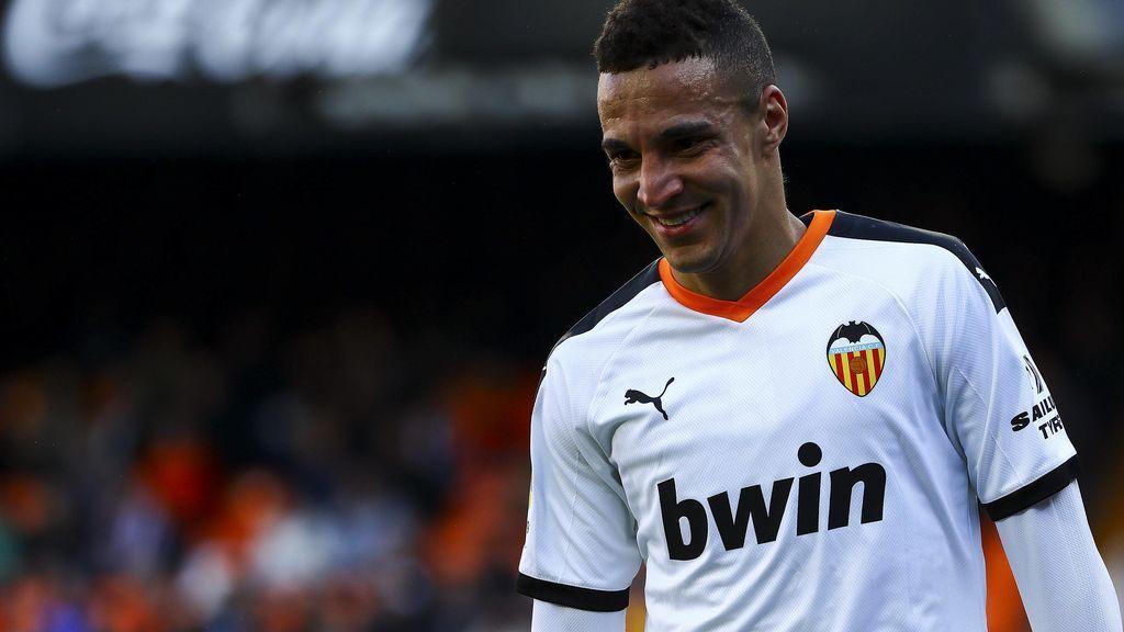Rodrigo da el OK al Barça y los culés piden su cesión con opción de compra al Valencia