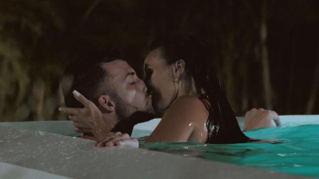 """Fani y Rubén dan rienda suelta a su pasión en la piscina: """"Que fluya"""""""