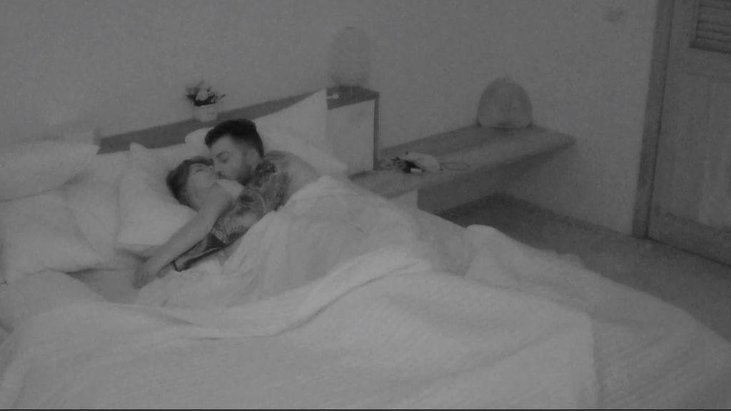 Fani y Rubén dan un paso más y duermen juntos por primera vez