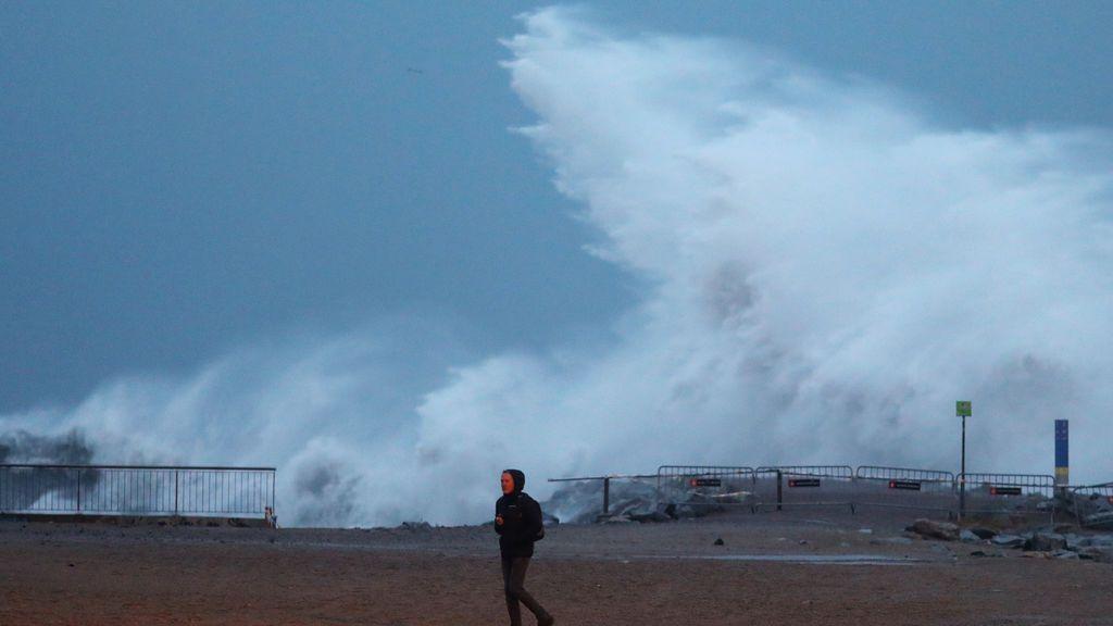 Récord histórico: se registra por primera vez una ola de 14 metros en el Mediterráneo