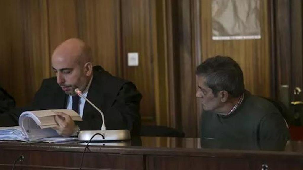 """Un hombre mata a su mujer en Sevilla y la culpa de haber tenido que """"maltratar"""" a sus hijos"""
