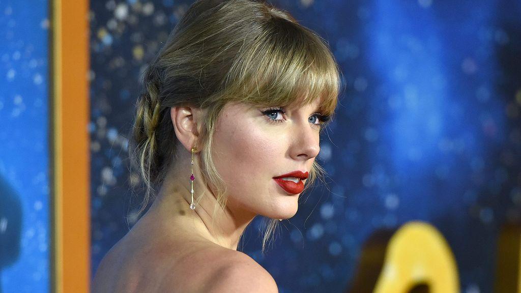 """Taylor Swift confiesa que su madre pacede un tumor cerebral: """"No sabemos que va a pasar"""""""