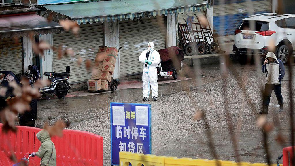El origen del brote de coronavirus: un mercado en Wuhan