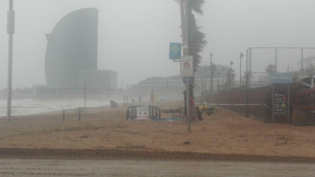 Imagen de la playa de la Barceloneta