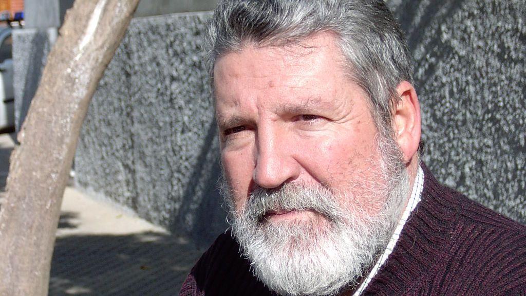 El escritor Antonio Perejil Delay, muerto a puñaladas por su hijo en Sevilla