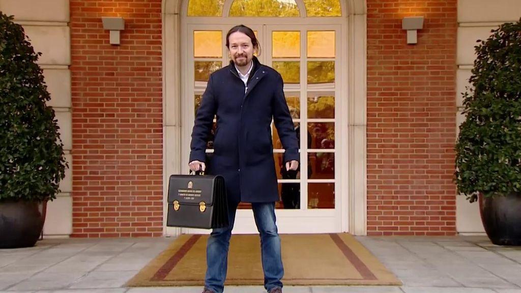 """Pablo Iglesias, sobre su foto con la cartera en Moncloa: """"Lo hice porque todos me dicen que voy encorvado"""""""
