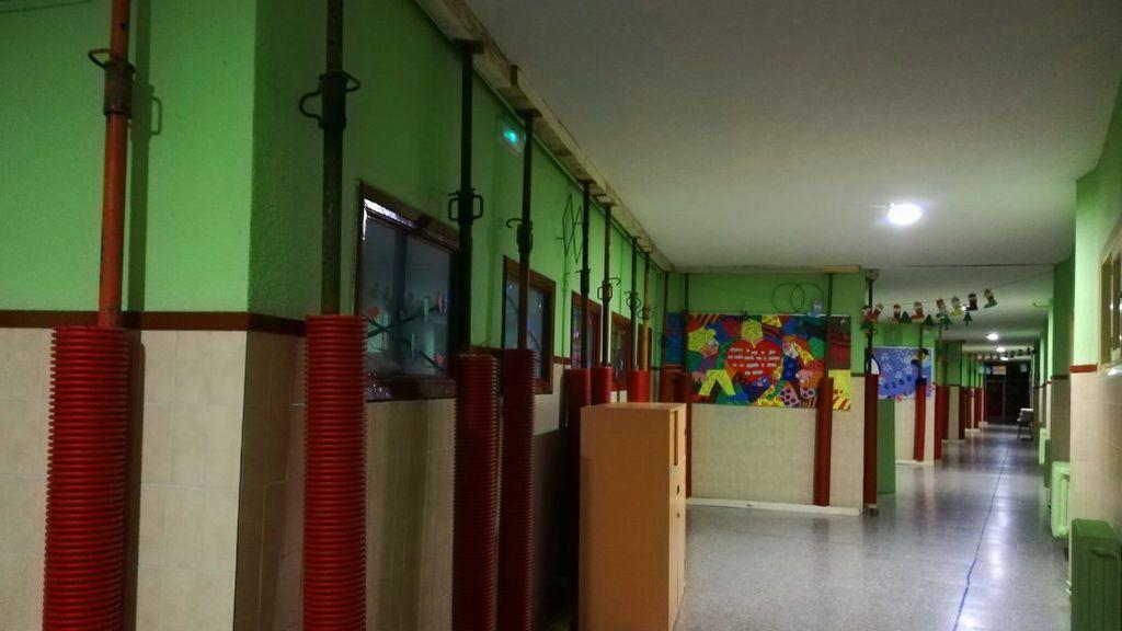 Los pasillos de la escuela están llenos de hierros