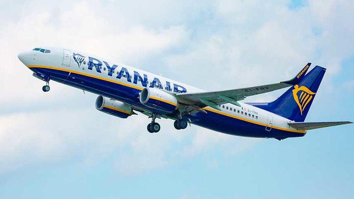 Un avión de Ryanair aborta el aterrizaje en Valencia por la borrasca Gloria