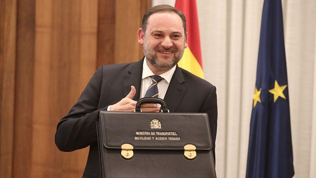 Ábalos ironiza sobre las reuniones con ministros de Maduro y la oposición pide explicacinones