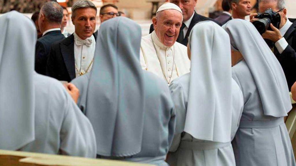 """El Vaticano crea una comisión para ayudar a las monjas """"quemadas"""" por agotamiento en el trabajo"""