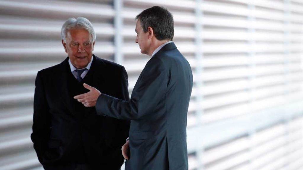 Zapatero y González, enfrentados por la visita de Guaidó a España