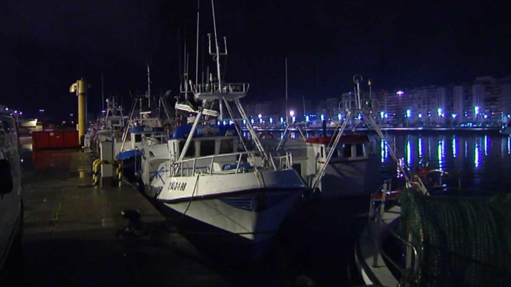 Siguen buscando a los seis marineros desaparecidos