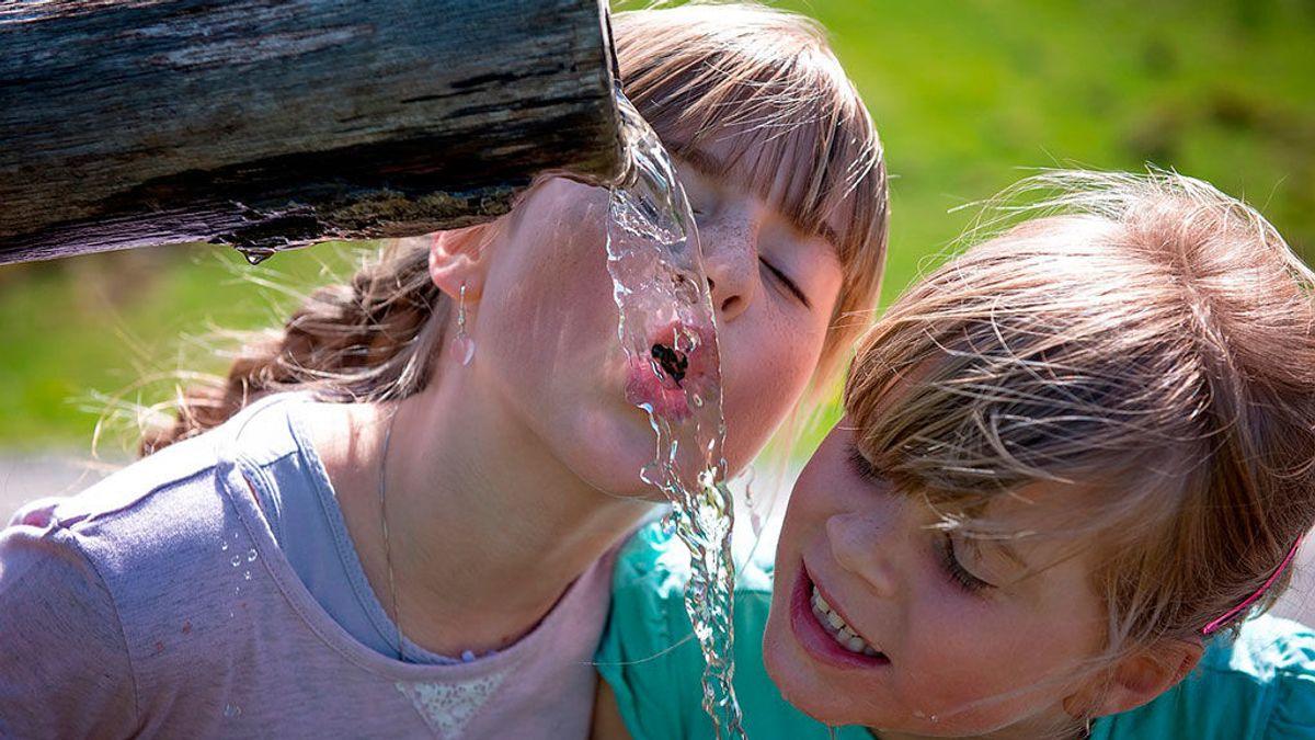 Beber agua del grifo no provoca cáncer: su cloración salva vidas