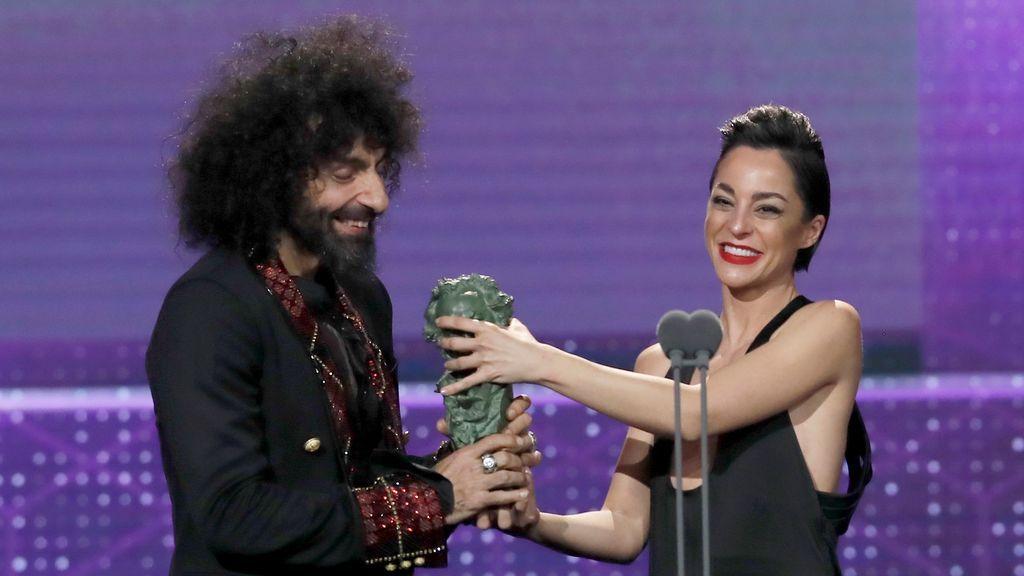 La directora Nata Moreno y el violinista Ara Malikian reciben el Goya a la mejor película documental, por 'Una vida entre las cuerdas'