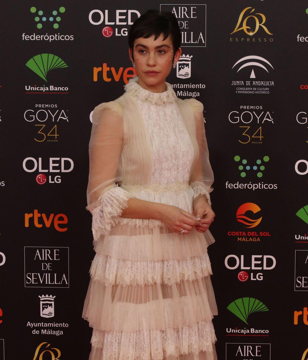 EuropaPress_2612483_Greta_Fernández__posa_en_la_alfombra_roja_de_la_XXXIV_edición_de_los_Premios_Goya_en_Málaga_(Andalucía_España)_a_25_de_enero_de_2020