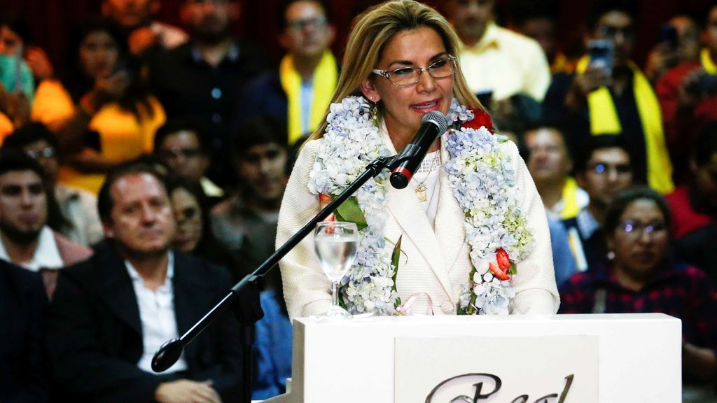 Jeanine Áñez anuncia su candidatura a las generales tras romper relaciones con Cuba