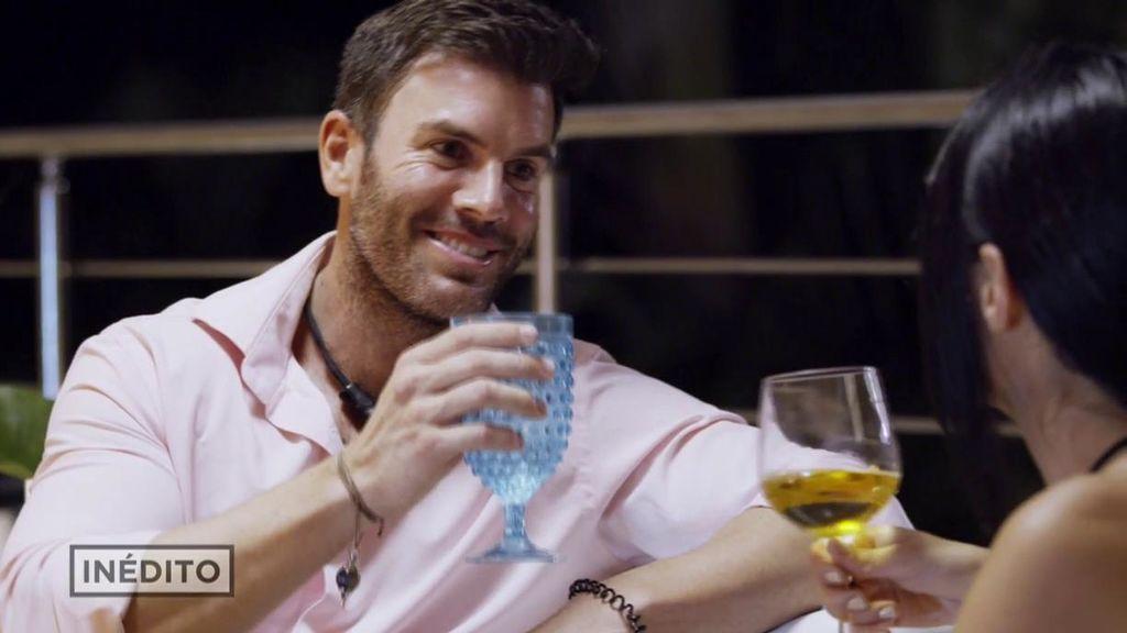 """Mucho 'feeling' con José y """"morbo"""" con Gonzalo: los primeros acercamientos de Lourdes con los chicos"""