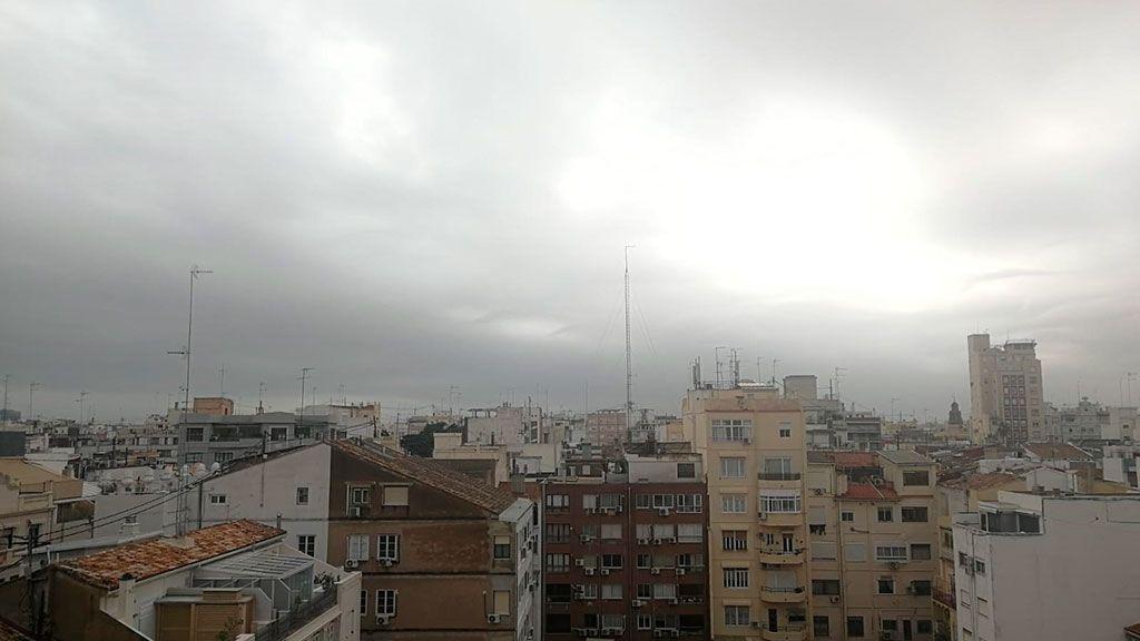 Valencia activa el protocolo de contaminación por polvo africano tras subir sus niveles por la borrasca