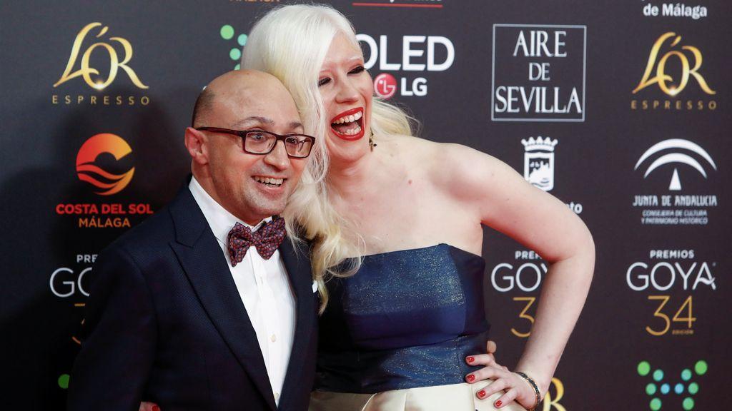 Jesús Vidal y su novia en la alfombra roja de los Premios Goya 2020