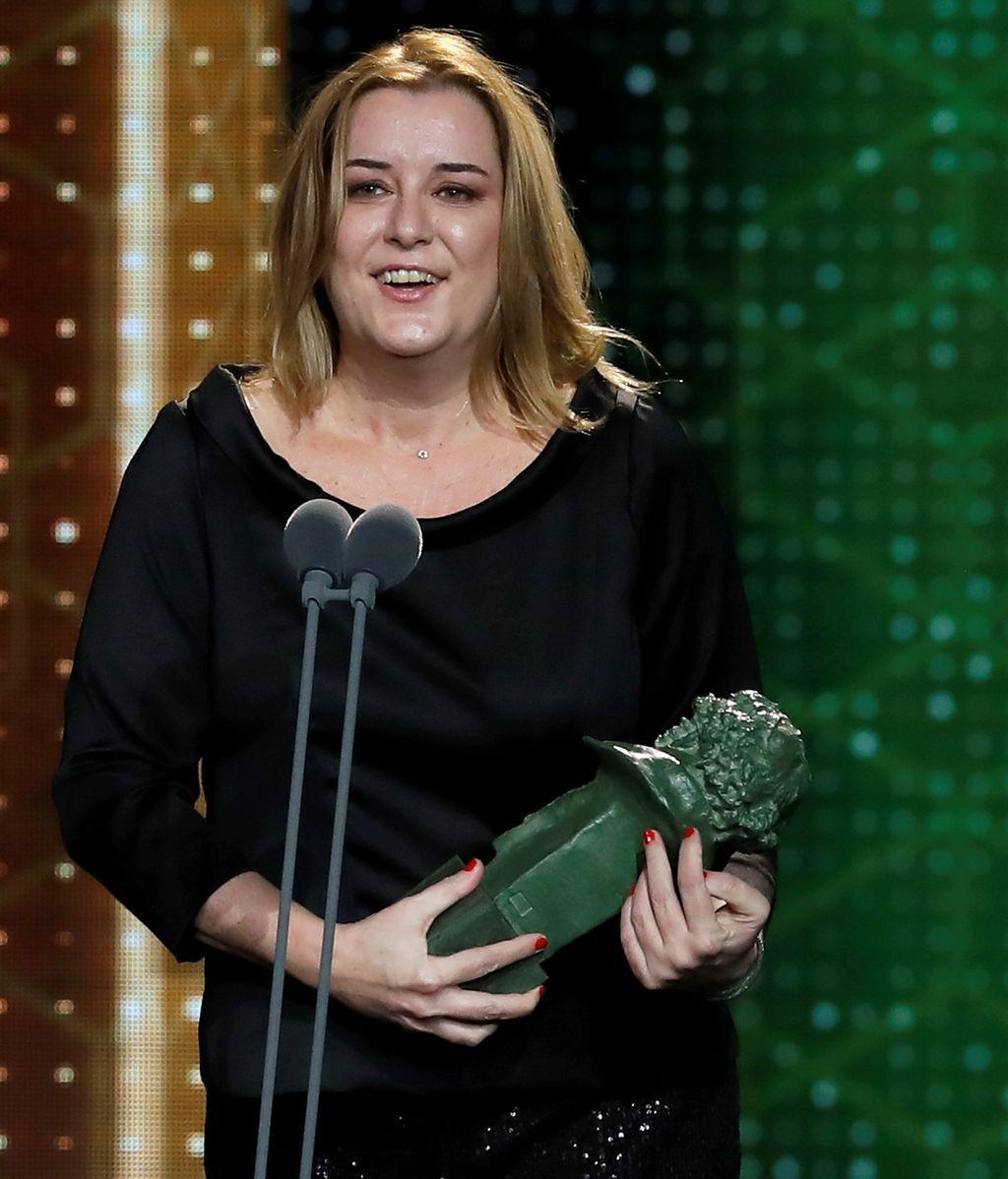 Carla Pérez recibe el Goya a la Mejor dirección de producción por su trabajo en 'Mientras dure la guerra'