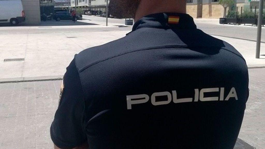 Detenida una mujer por abandonar a su hija recién nacida en un portal de Orihuela