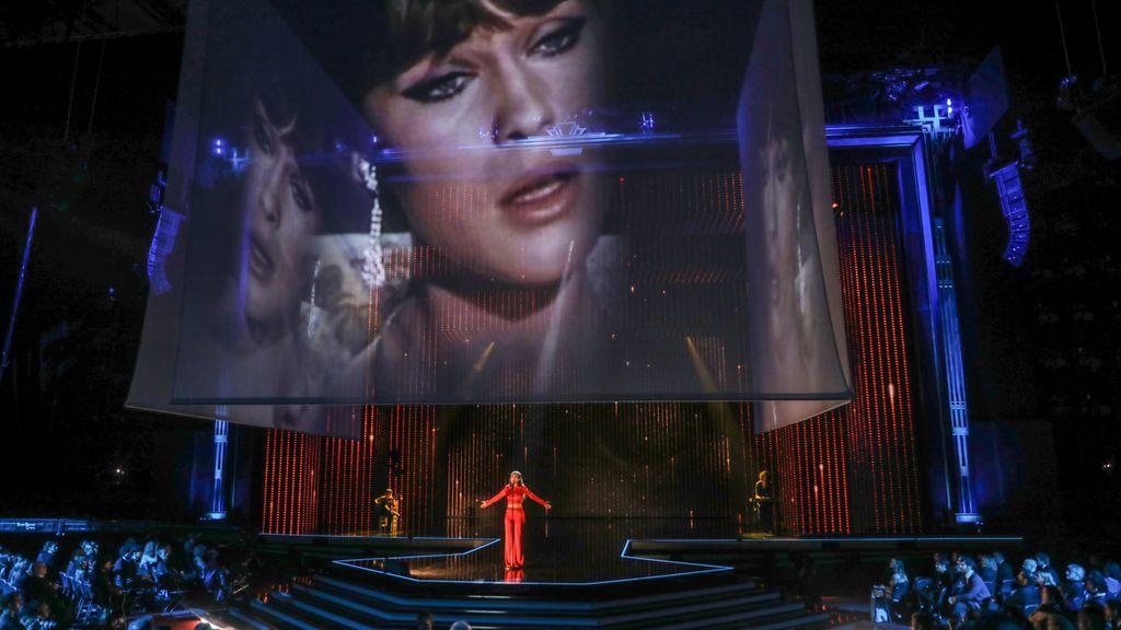 Amaia rinde homenaje a Marisol con una emotiva actuación en los Premios Goya
