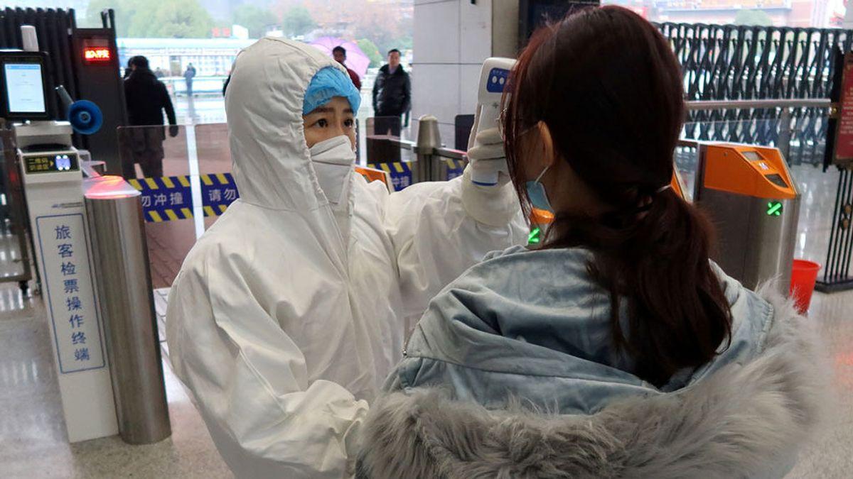 El Gobierno prepara la repatriación de la veintena de españoles atrapados en Wuhan
