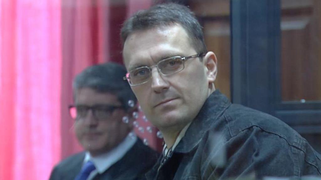 Igor el Ruso celda cristal