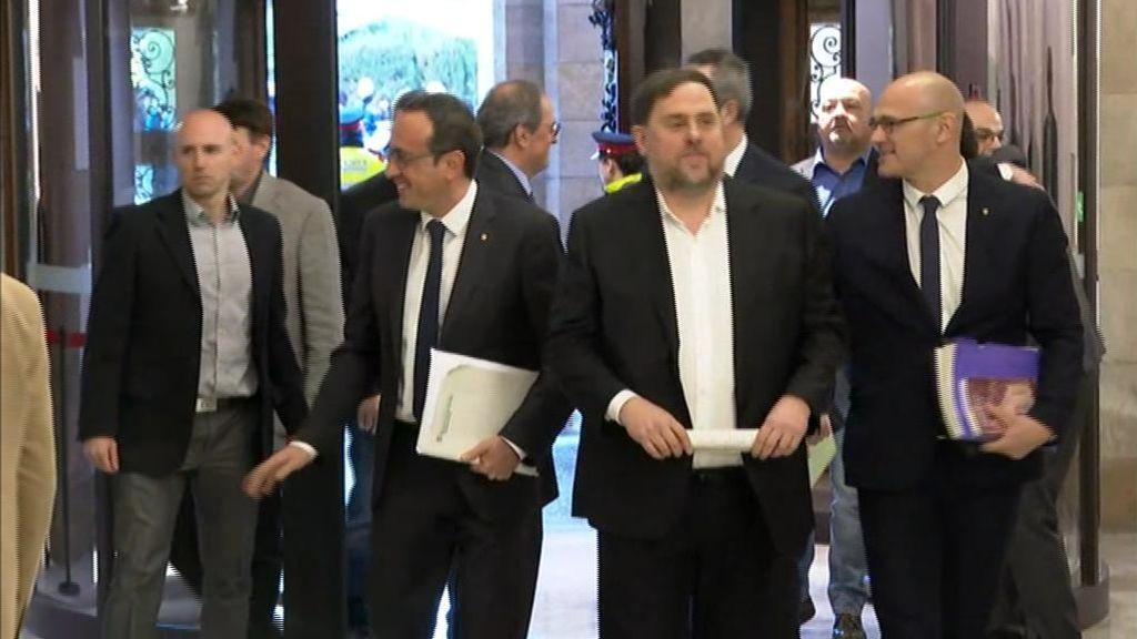 Junqueras y el resto de presos del procés, recibidos como héroes en el Parlament