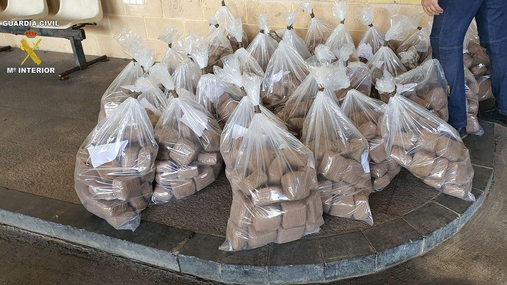 Alijo de récord de hachís en Melilla: la Guardia Civil se incauta de casi media tonelada