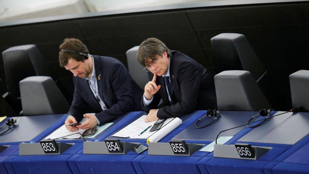 El grupo Verde del Parlamento Europeo decide este miércoles si admite a Puigdemont y Comín