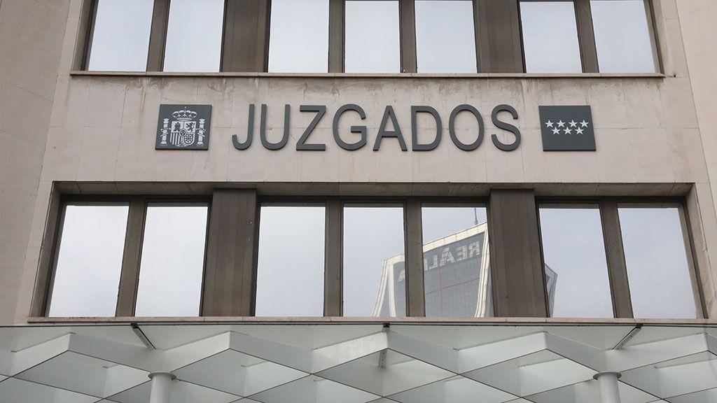 Un hombre escapa de los Juzgados de Plaza de Castilla tras golpear a dos agentes