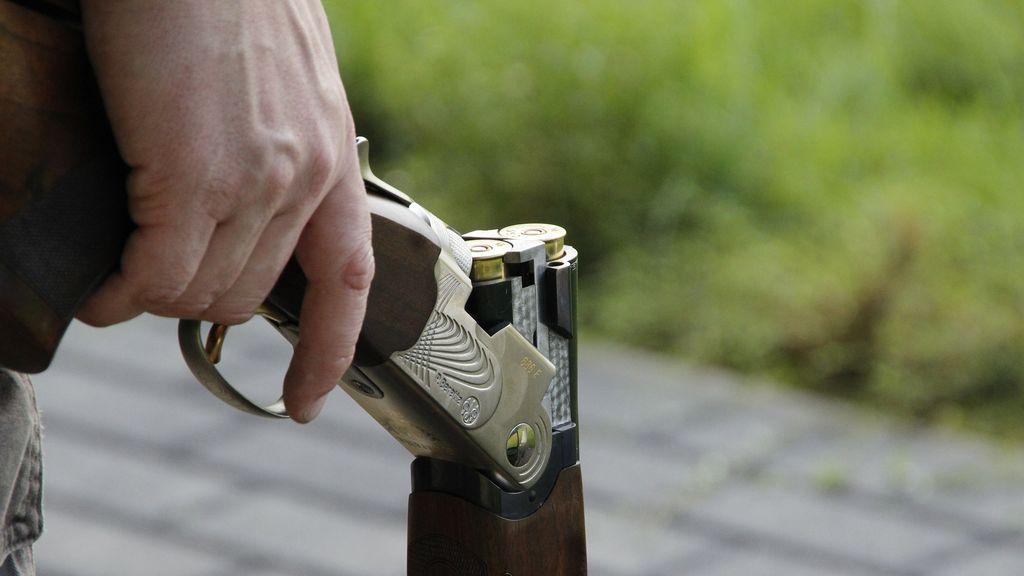 Recibe a tiros al dueño de una casa tras okuparla y montar en ella un punto de venta de droga