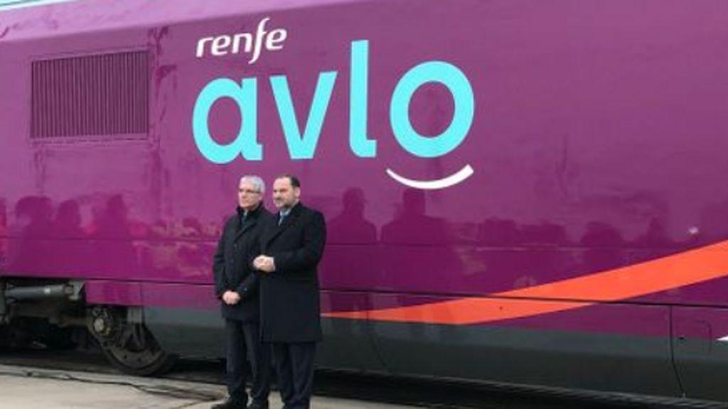 OCU denuncia la política comercial de Renfe con Avlo: solo el 3% ha logrado comprar billetes en la web