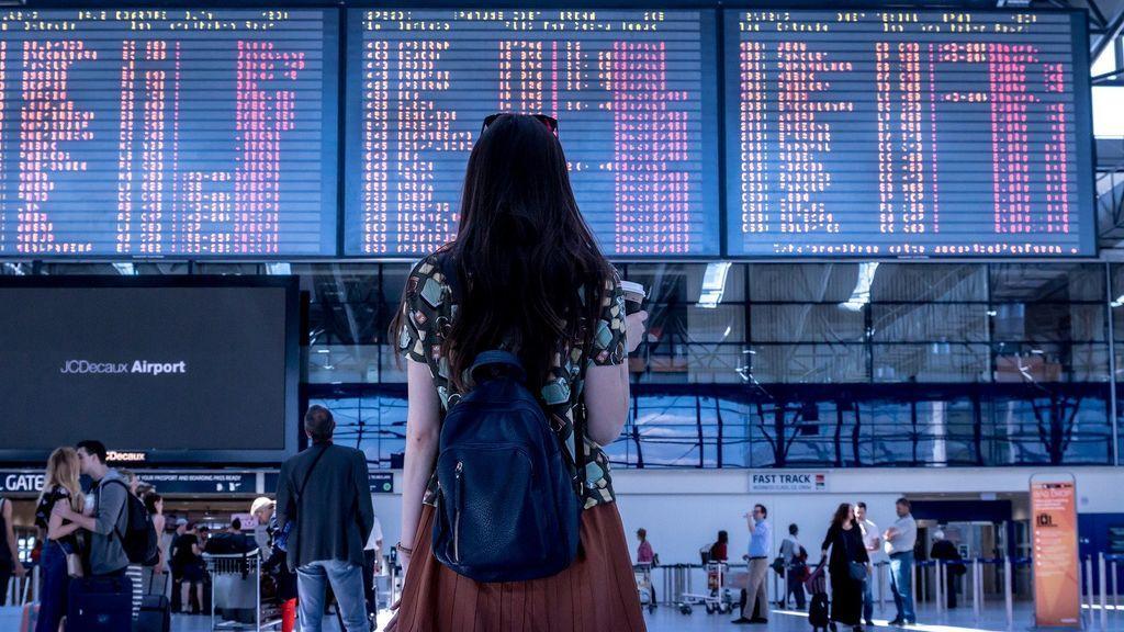 ¿Puedo viajar con DNI, usar el 'roaming' o mi carné de conducir en Reino Unido a partir de mañana?