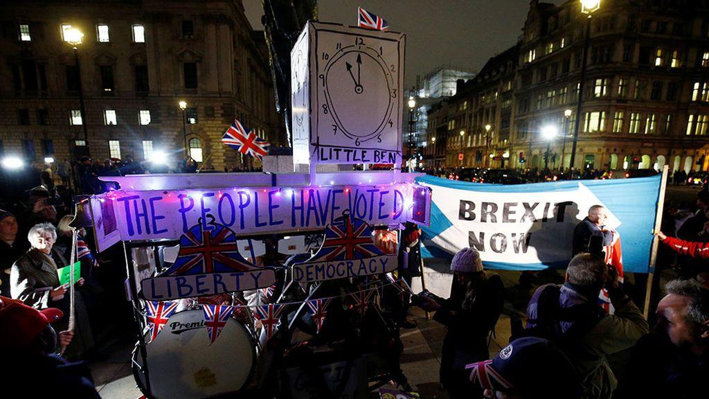 En directo: los británicos salen a la calle por el Brexit