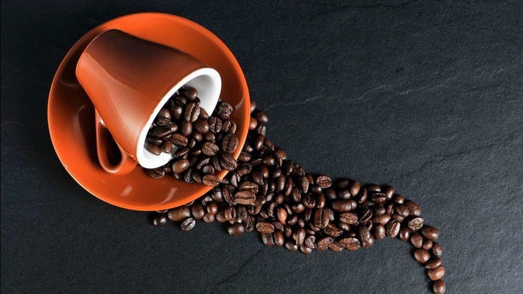 Consumir más de una taza de café al día reduce el riesgo de sufrir cáncer de mama tras la menopausia