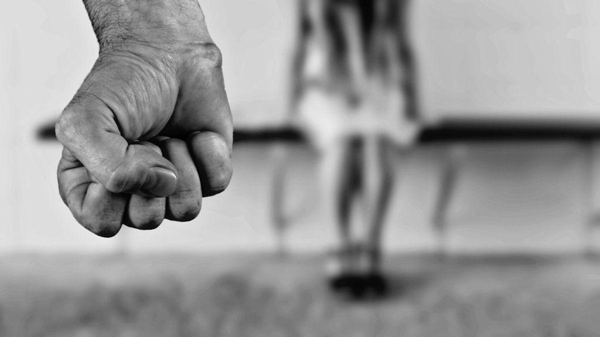 Abusa de su hijo de 7 años, maltrata a su mujer y le obliga a mantener relaciones sexuales con su propia cuñada