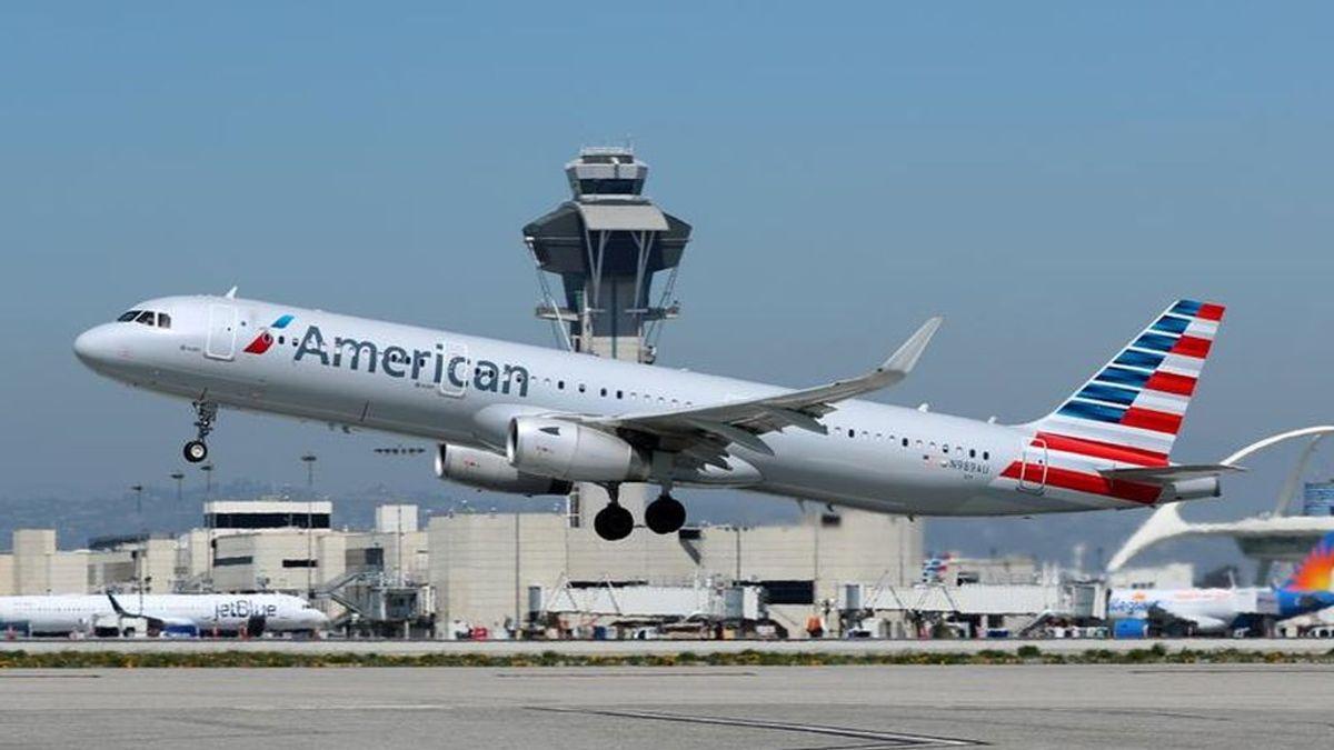 Un matrimonio es expulsado de un avión en Miami por su olor corporal: alegan que fue por su religión